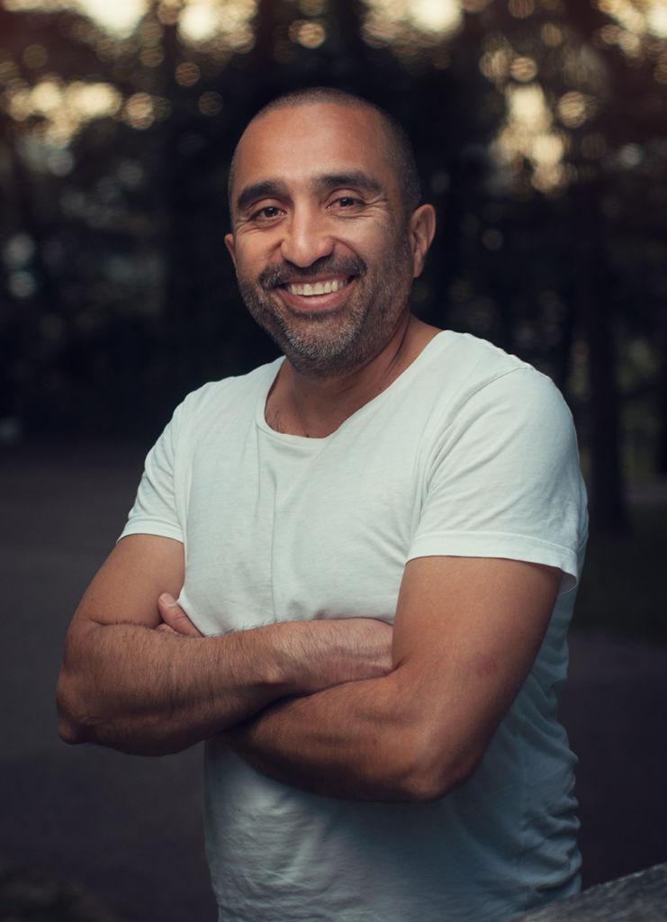 Portret Miguela, zdjęcie z projektu portretowego #1000portretów. Sesja zdjęciowa w Krakowie