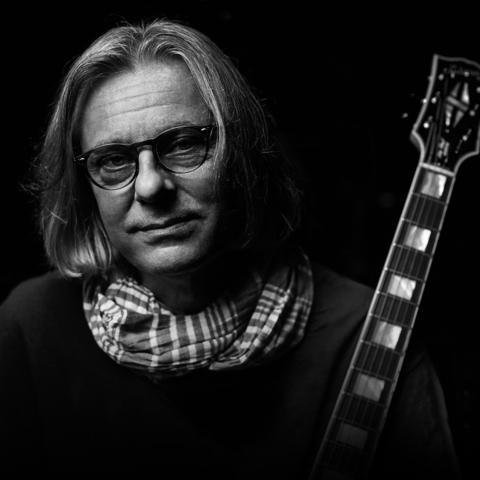 prof. Piotr Chłosta, Endopower, gitara